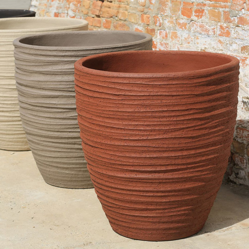 DALA POT             IN/OUTDOOR - TERRACOTTA  Our own high quality clay has a kaolin basis with special properties. While baking the clay will coalesce so that virtually no absorption of water is possible. Our terra cotta pottery absorbs no more than 3-4% of water. With this low percentage of water our potteries are guaranteed frost proof.
