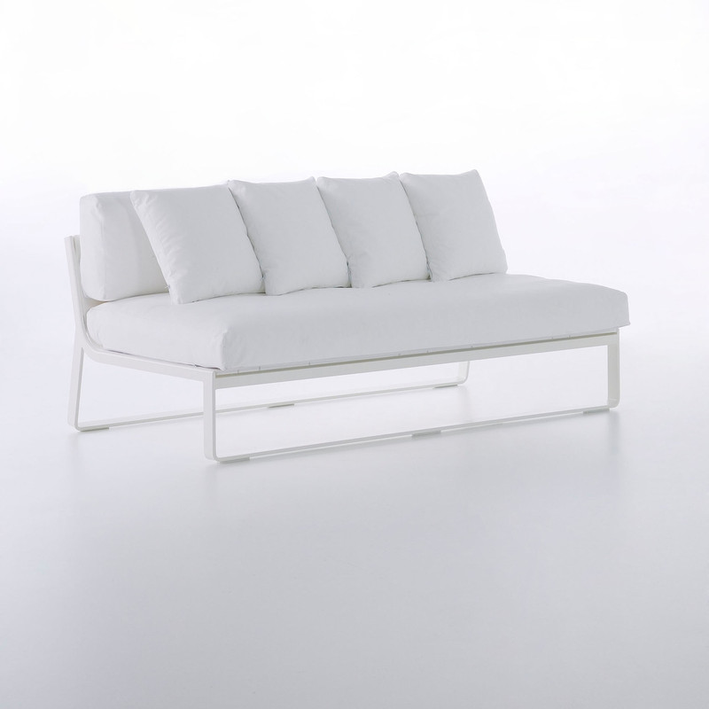 Gandiablasco Sofa Flat Modular 4. Made of thermo-lacquered aluminium profiles and 100% recyclable polyethylene. Polyurethane foam rubber covered with water-repellent fabric. Removable fabric cover.  NOTE: No special sizes available in this collection.