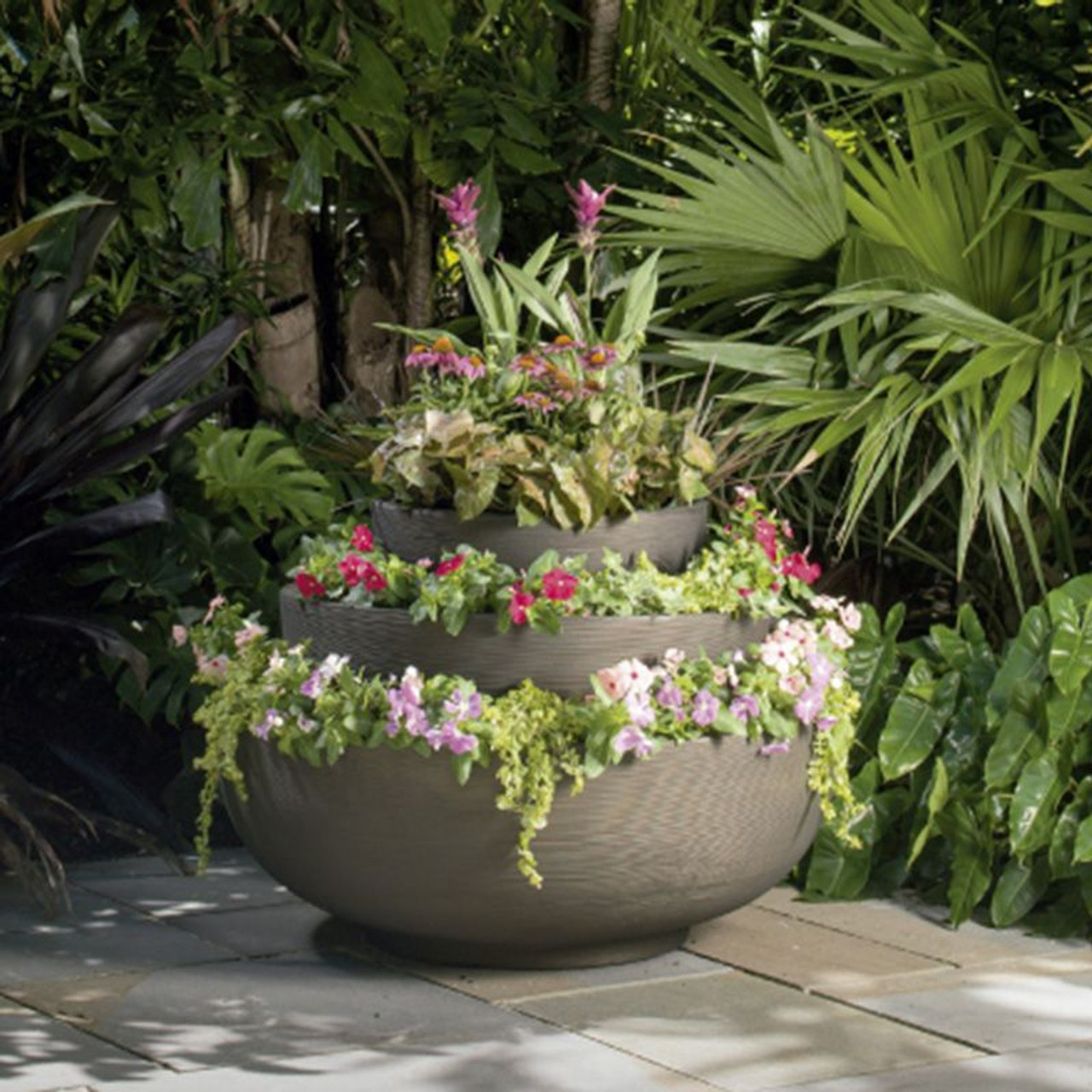 Exceptionnel Orinoco Bowl Planters Used Together