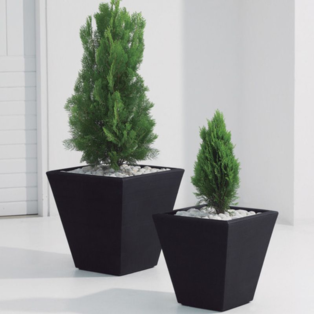 planter international faro large graphite tall the plntr in products campania gates square planters garden