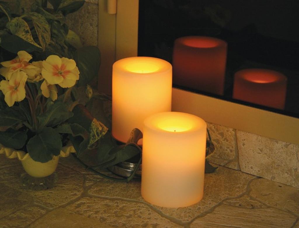 Round Wax Covered Plastic Pillars 4-Inch White