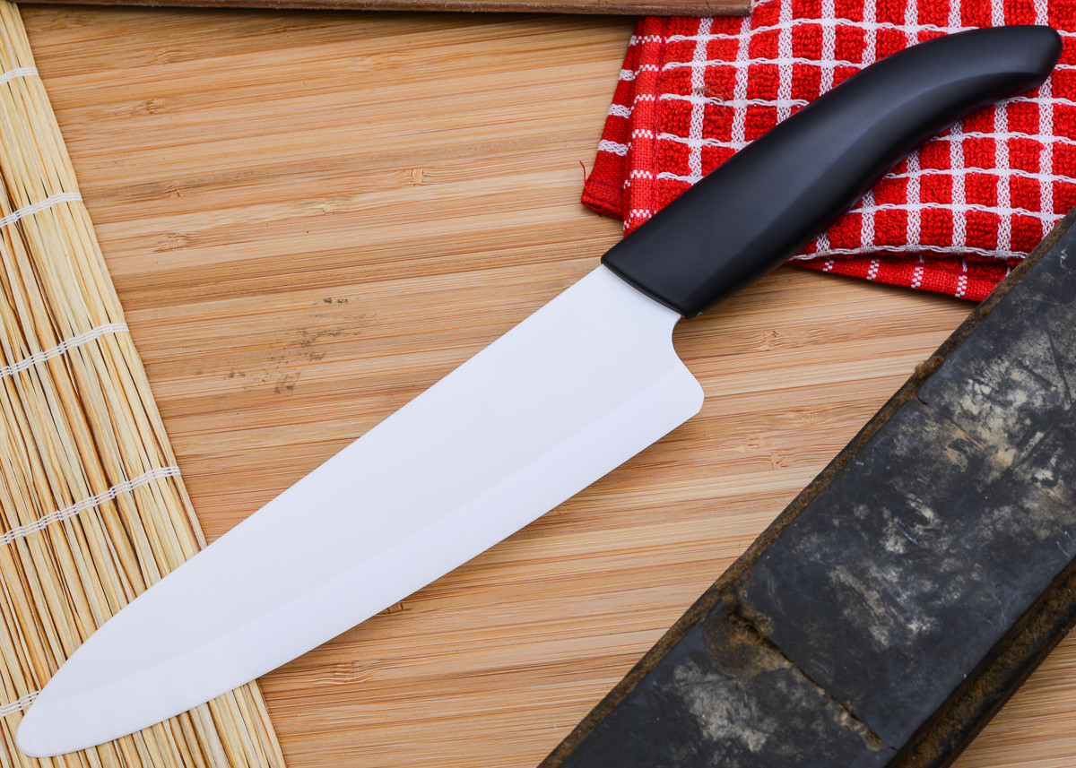 "Kyocera: Revolution 7"" Ceramic Professional Chef's Knife primary image"