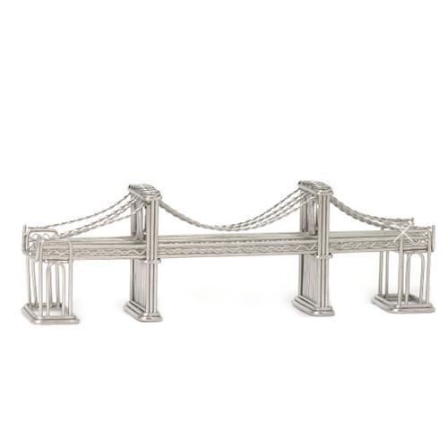 Brooklyn Bridge statue model made of steel wire
