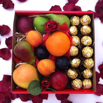 Fruit Hamper Box with Chocolates