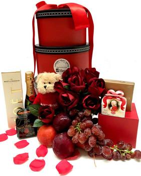 Luxury Gift Hamper - Round Tower Moet Gift