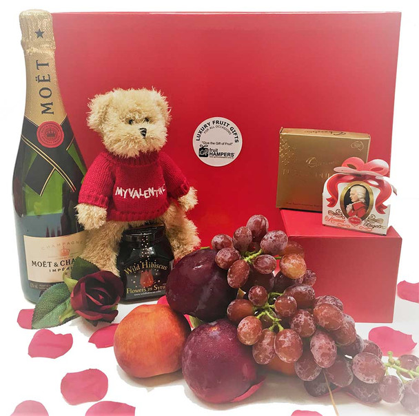 Valentine's Day Moet Chocolate Hamper