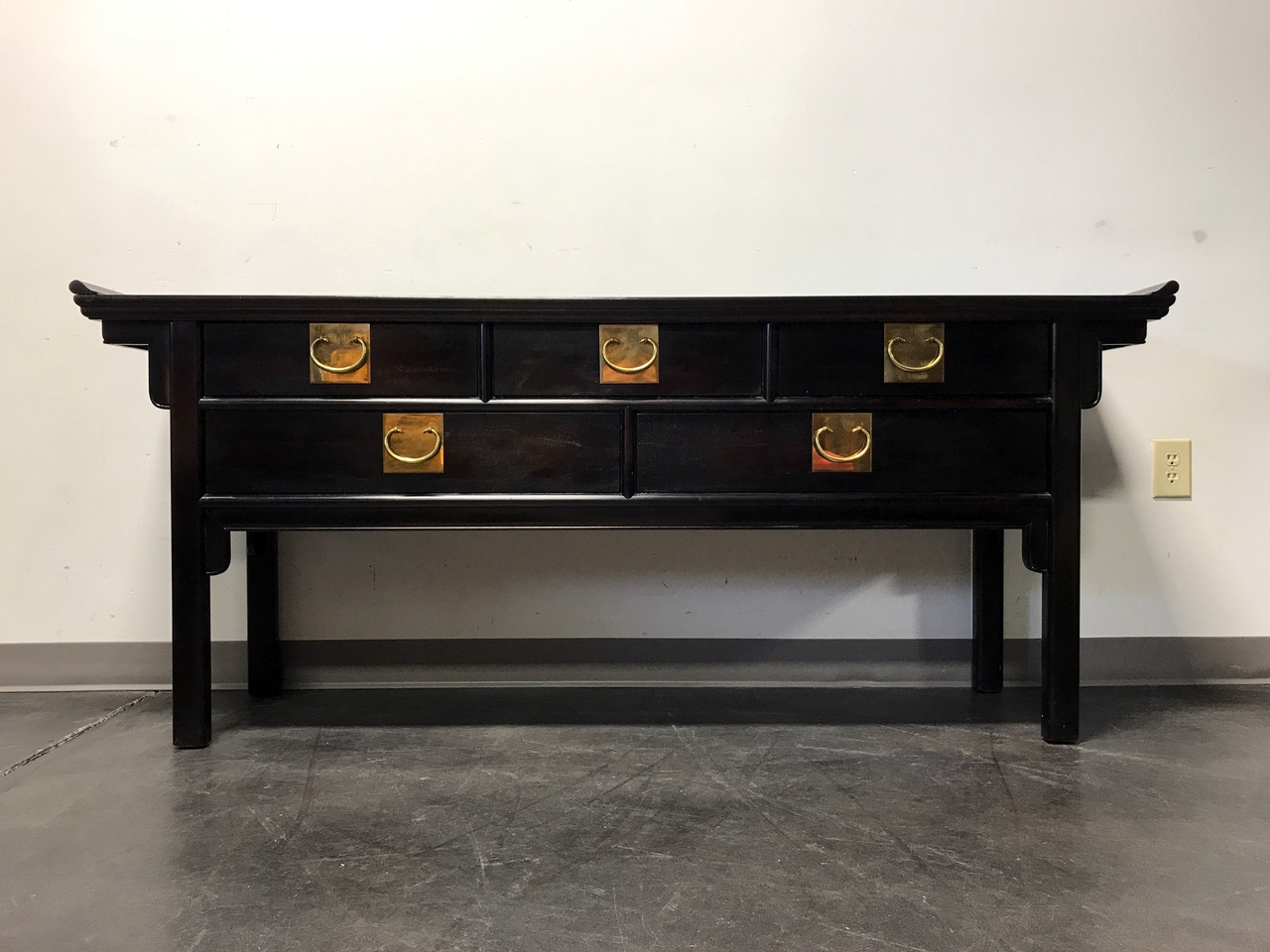 SOLD OUT CENTURY Chin Hua Black Lacquer Asian Altar Console
