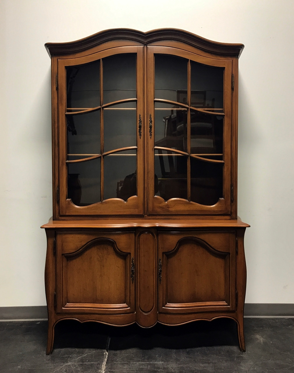 Beautiful Davis Cabinet Company China Cabinet