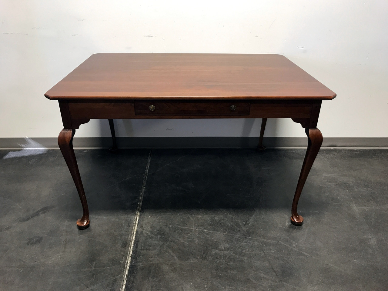 LEXINGTON BOB TIMBERLAKE Solid Cherry Keeping Dining Table