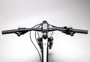 stages dash cycle computer on mountain bike