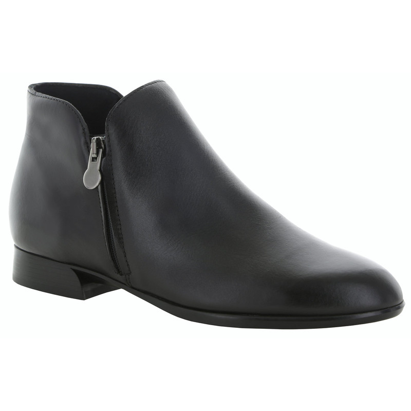 Munro Women's Averee - Black Leather - M602881 - Angle