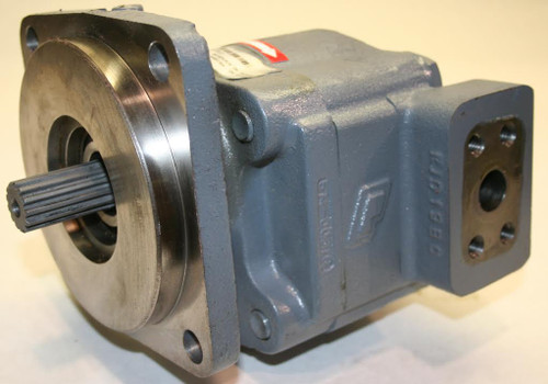 Standard Hydraulic Pump and Coupler -- AT224355