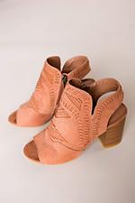 camel-stitch-heels.jpg