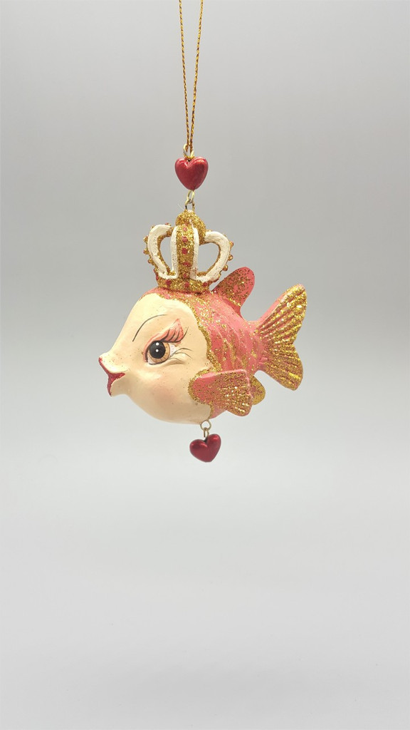 Queen Of Hearts Kissing Fish Christmas Decoration