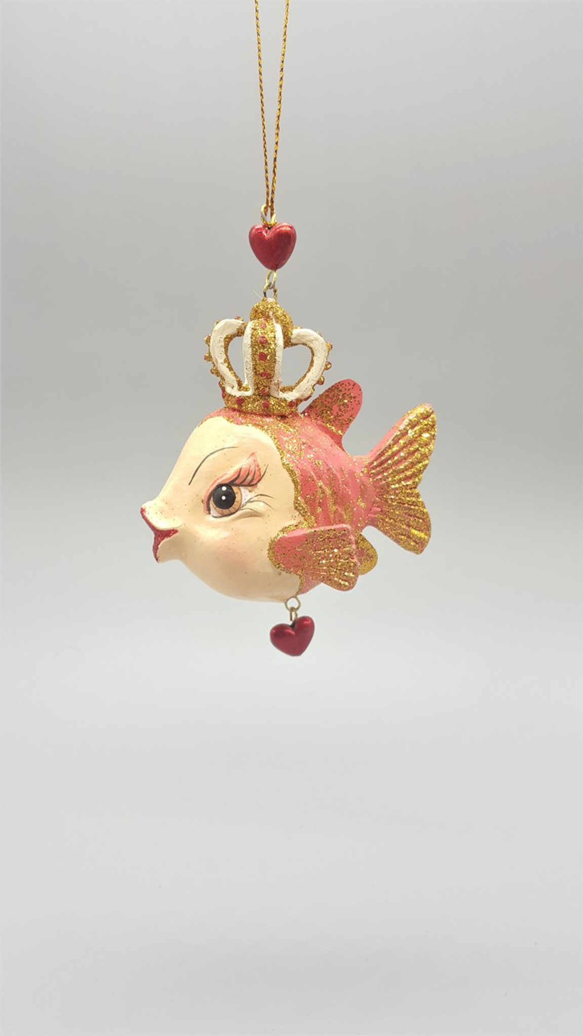 Queen Of Hearts Kissing Fish Tree Decoration