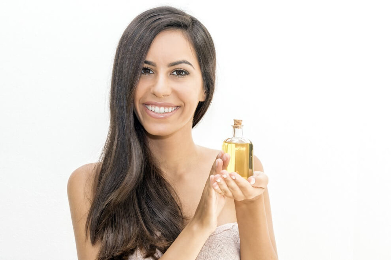 26 Benefits of Argan Oil  [+ DYI Skin Care Recipes]