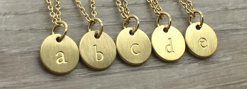 Lowercase Necklace from a to e in Gold