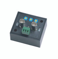 The VA101HD is specially designed to boost the HD-TVI/AHD/CVI camera signal. It is a perfect solution to boost the HD signal to offer the best quality picture without any video loss under a long coax cable run. They are suitable for far distance, a different floor in a building or different electrical field.