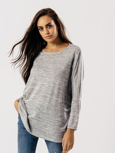Long Sleeves Dip Hem Top in Light Grey