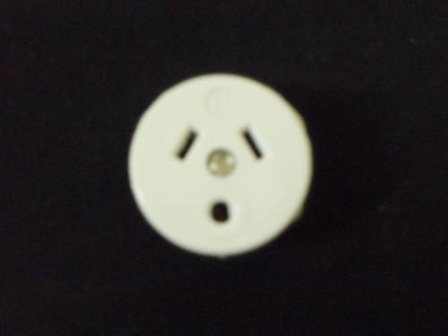 Round Earth Pin Plug