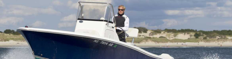power-boating-category-foul-weather-gear.jpg