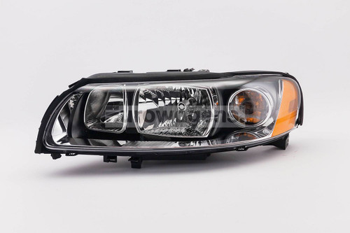 Headlight left Volvo V70 XC70 05-07