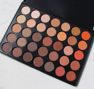 Natural Radiance Eyeshadow & Highlight Palette