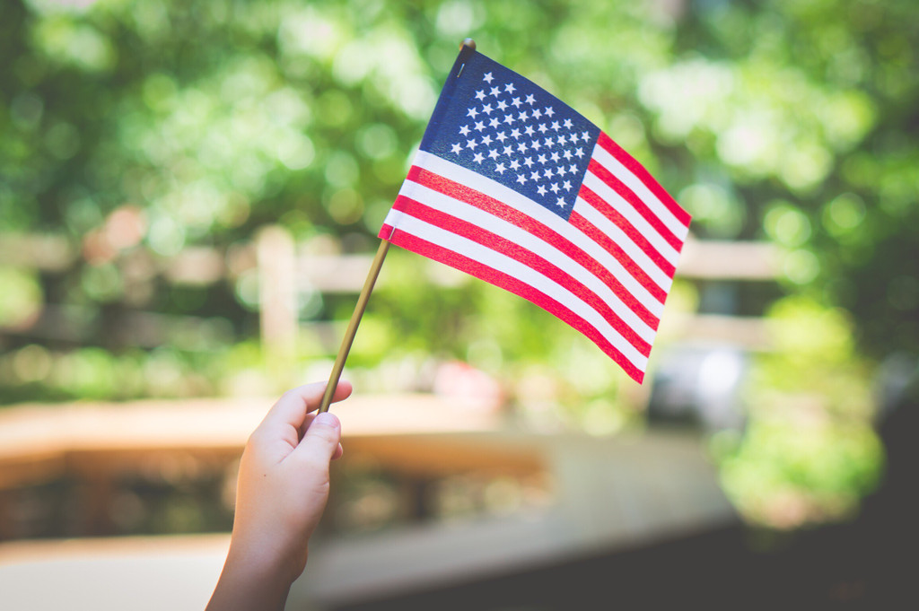 4 Ideas For Your 4th of July Airbnb Welcome Basket