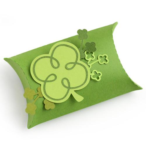 Clover Pillow Box