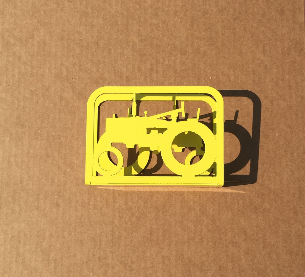 Napkin Holder with Tractor on Both Sides (O18)