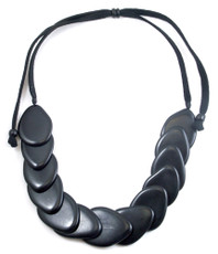 Encanto Gallet Black Necklace