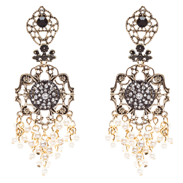 Elegance Fashion Crystal Rhinestone Beautifully Crafted Earrings E812 Cream