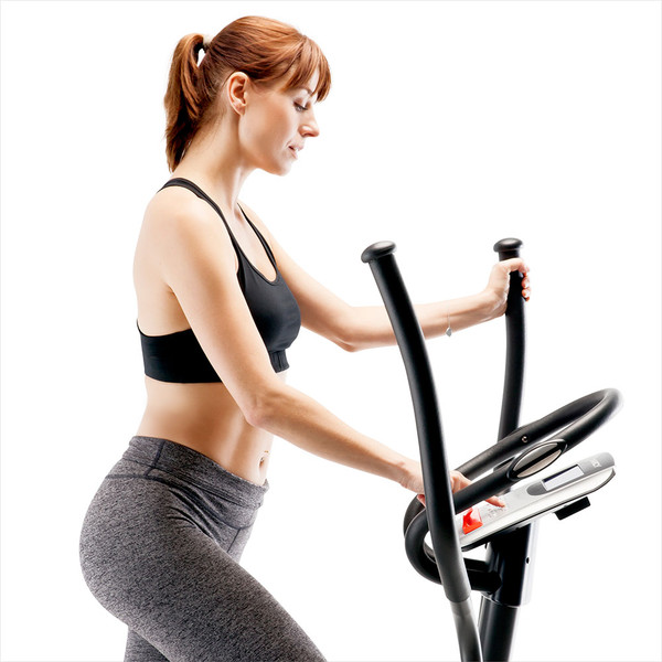 The Regenerating Magnetic Elliptical Trainer Machine Marcy ME-704  is a cardio device that is easy to use even while exercising