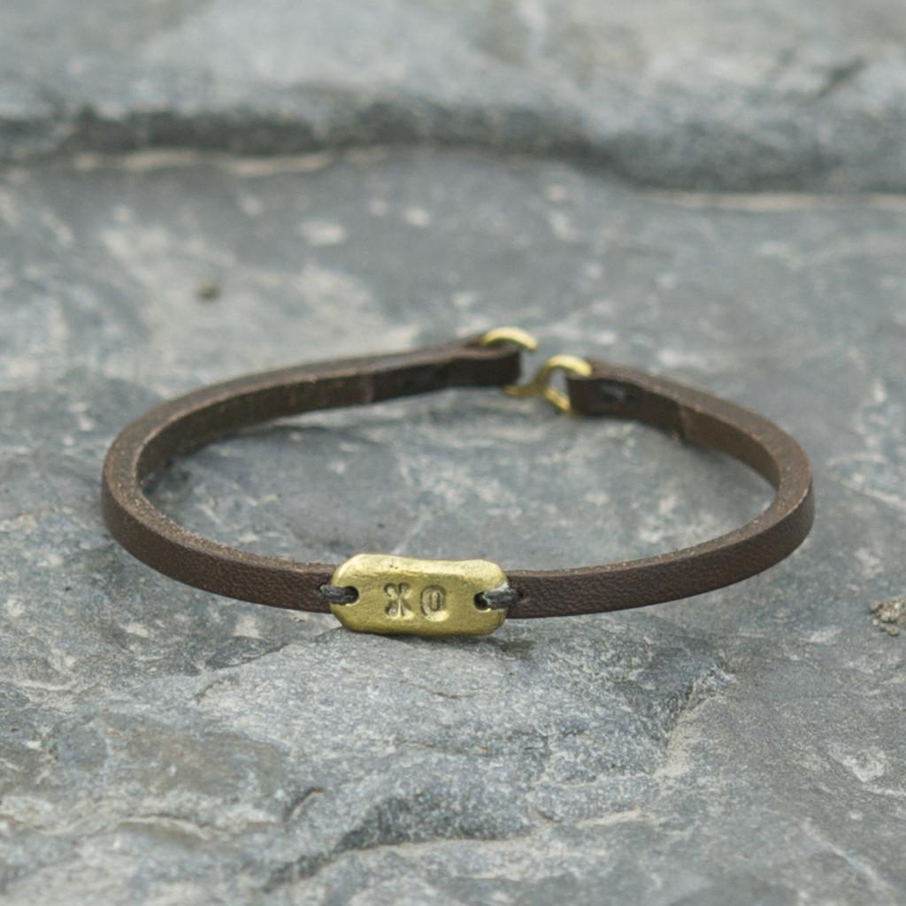 Chocolate leather bracelet with brass XO detail