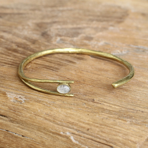 Brass/Moonstone