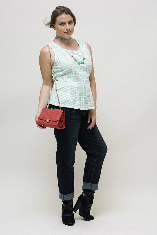 Yes, the jeans and purse are also available if you want to get the complete look!