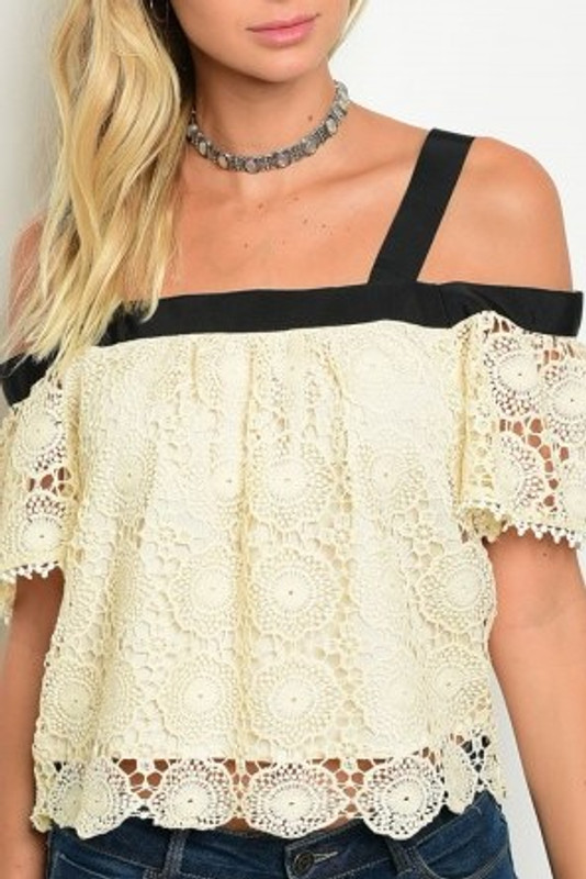 Beautiful Lace Top.  BePear Approved!