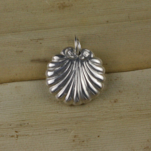 Bamboo Front View - Seashell pendant made with .999 Fine Silver (1334)
