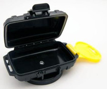OtterBox with 80lb-pull Magnet