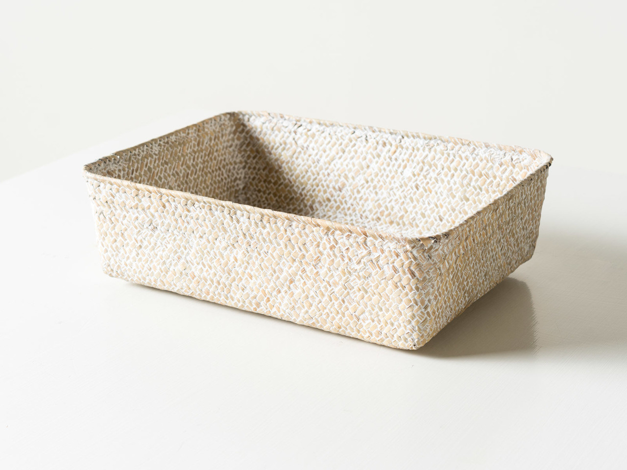 SEAGRASS RECTANGULAR WHITE TRAY - R E V I V A L