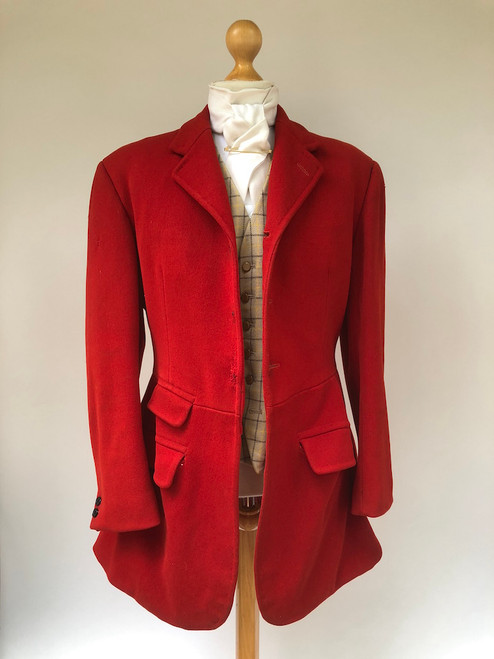 "Gent's 3-button red hunting frock coat, 40"" long (VTR581)"