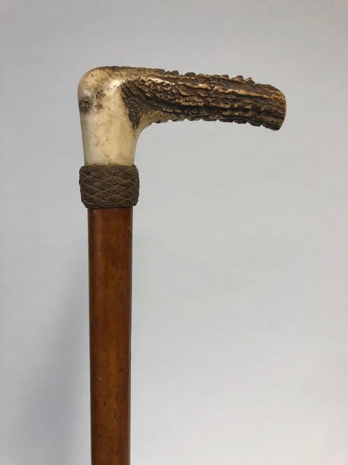 Gent's wooden hunting whip with linen collar