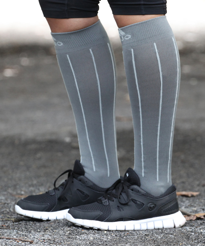 M816GS, Firm Support (20-30mmHg)  Knee High Compression Socks, Side View
