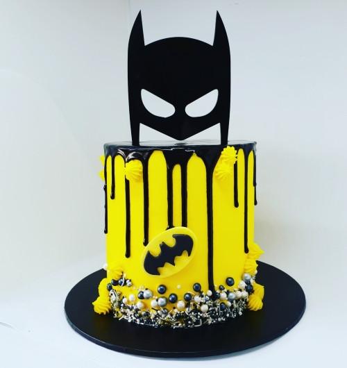 Last Minute Batman birthday cakes for boys