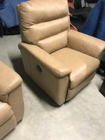 Clearance Palliser (2) Two  Algonquin  43004-71 Power Layflat Recliner ..Save