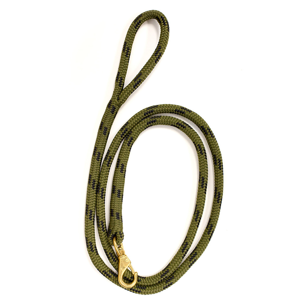 Double braid dog leash in camo color.