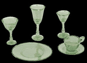 CB99/110G - Green dishes and Stemware - 4 place settings - 24 pieces - CB99/110G