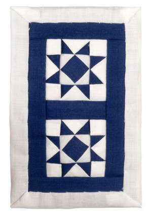 Dollhouse Miniature - ALS230 - Alice Lacy - Crib Quilt - Navy/White