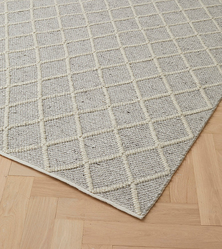 WEAVE - MITRE RUG FEATHER
