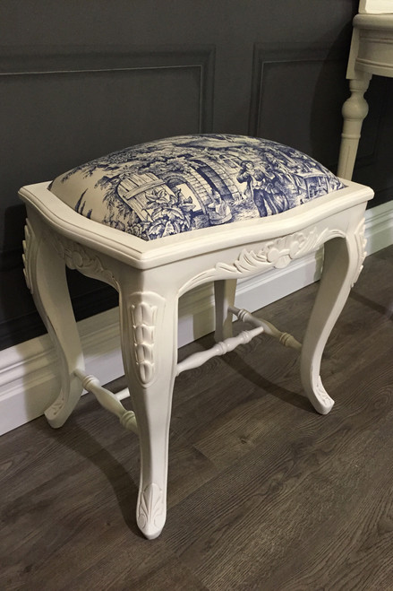 PRE ORDER: Willow Stool